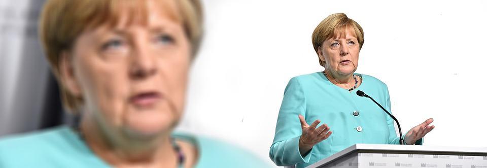 'Crisiskanselier' Merkel neemt leiding EU over midden in ongekende recessie